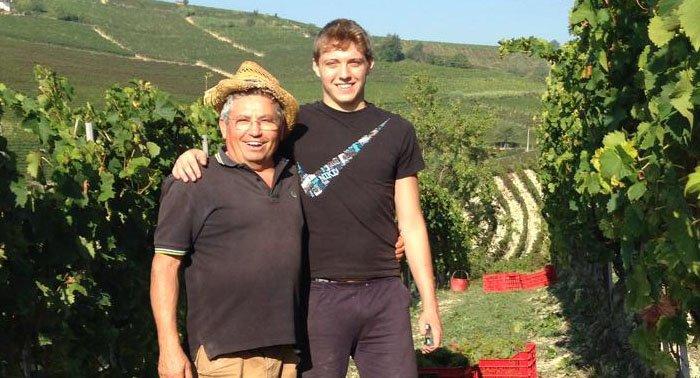 Fabio Rinaldi nelle vigne del Monferrato acquese Rinaldi Vini